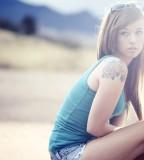 model girl shoulder tattoos