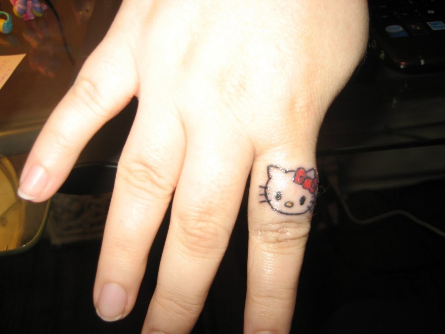 small tattoo designs finger