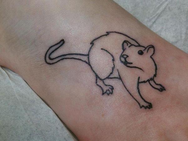 blackwork tattoo rat