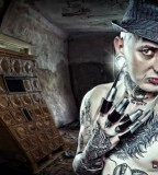 fabrice petre tattoo photography guy with hand blades