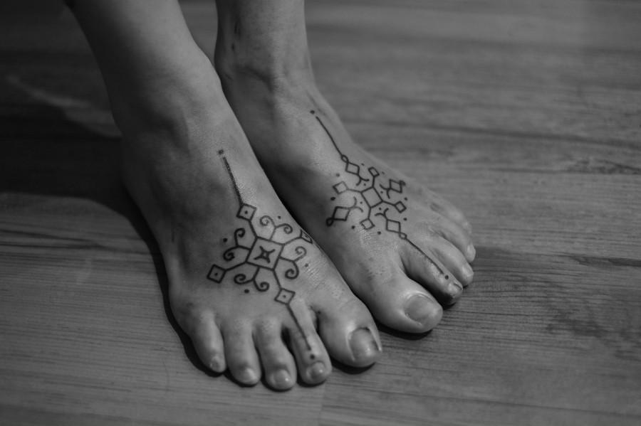 feet tattoo by jean philippe burton