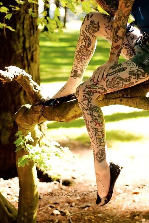 Heroes tatoo on leg