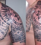 Stunning shoulder tattoo