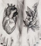 alex tabuns heart and flowers feet tattoo