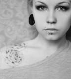 flower tattoos girl on shoulder