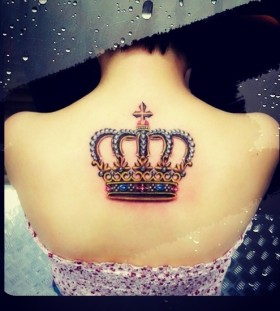 Amaizing crown tattoo