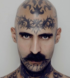 Amaizing men face tattoo