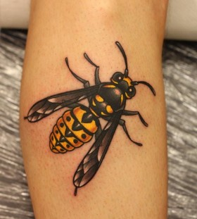 Bee tattoo by Michelle Maddison