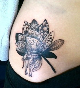 Black and white hip tatoo