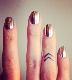 Black simple fingers tattoo