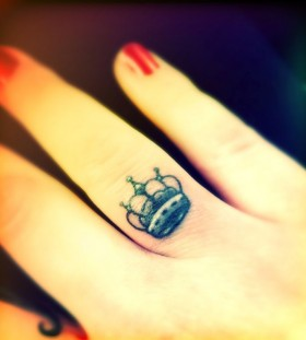 Cute finger crown tattoo