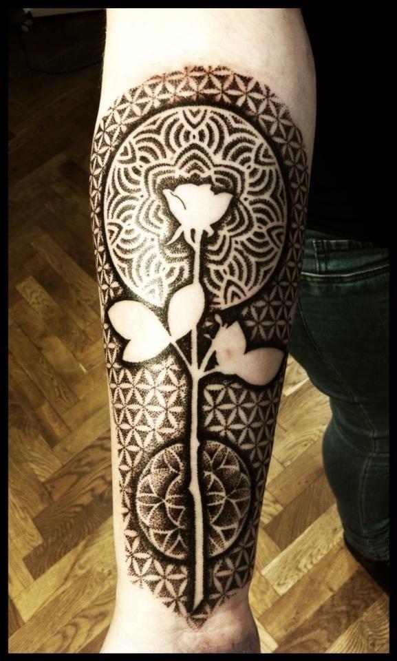 Flowers tattoo by Meathshop
