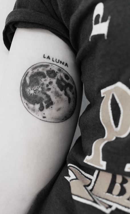 La luna moon tattoo