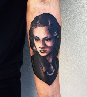 Woman tattoo by Pari Corbitt