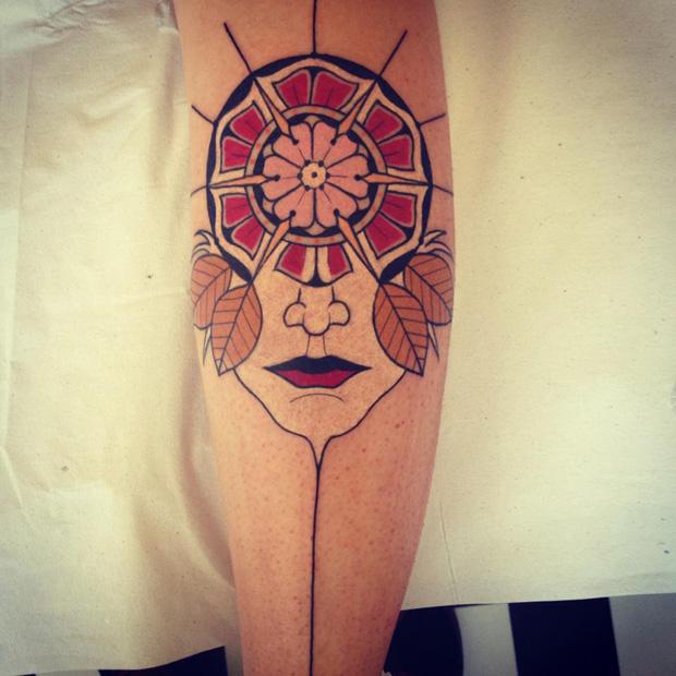 aivaras lee tattoo flower face