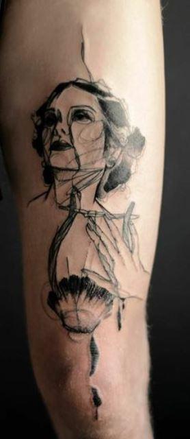marta lipinski beautiful woman tattoo