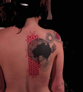 seb inkme globe and flowers back tattoo