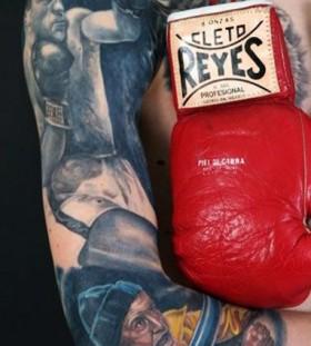 Amaizing sport tattoo