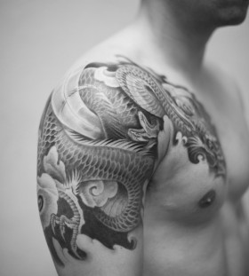 Dragon tattoo shoulder
