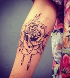 Rose tattoo black
