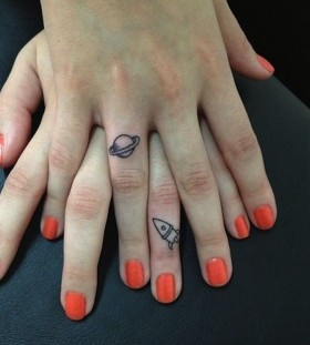 finger tattoo geeky