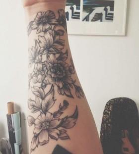 hand tattoo friday