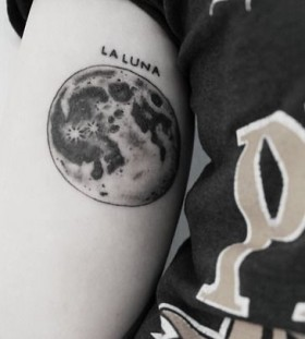 moon tattoo la luna