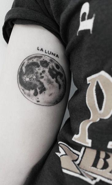 moon tattoo la luna
