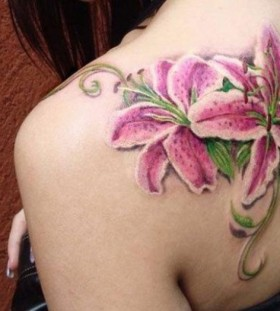 shoulder tattoo lily