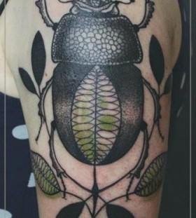 Amaizing bug tattoo