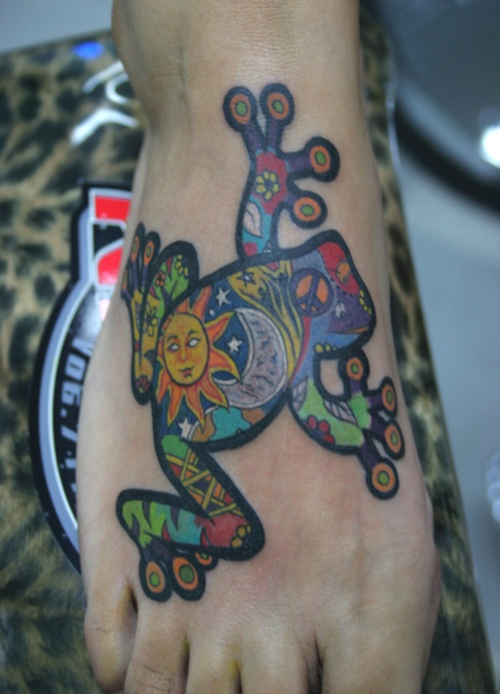 Colorful simple frog tattoo
