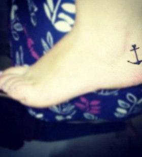 Foot anchor small tattoo