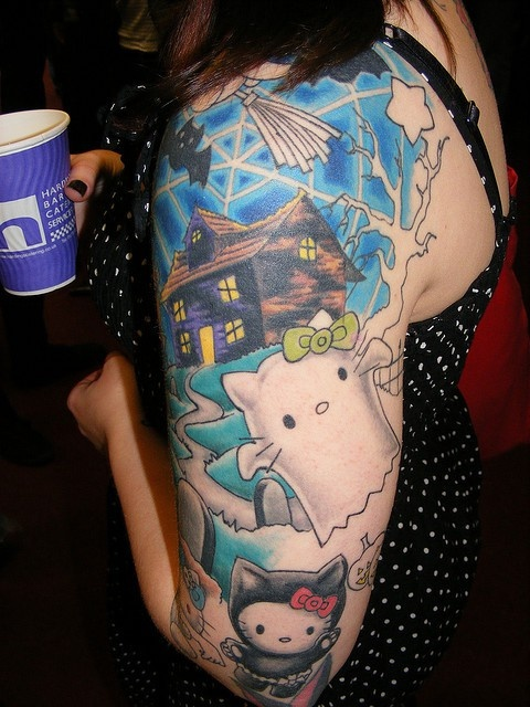 Hello Kitty halloween tatoo