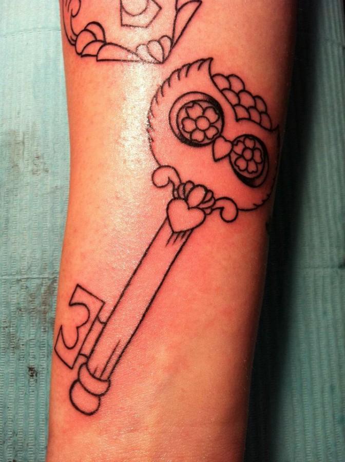 Key tattoo by Hania Sobieski