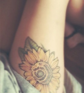 Leg sunflower tattoo