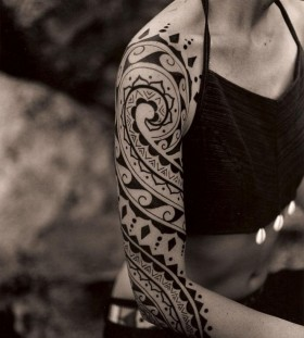 Lovely black tattoo