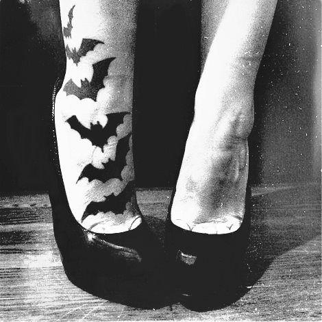Lovely leg halloween tatoo