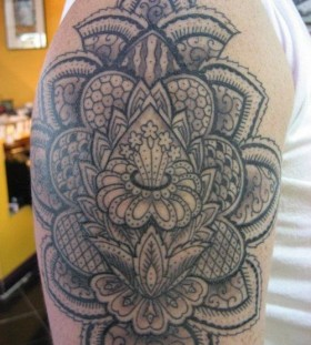 Men shoulder tattoo by Miah Waska