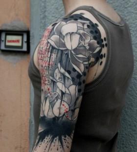 Shoulder tattoo by Pietro Romano