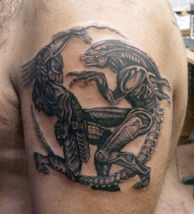 alien pair tatto