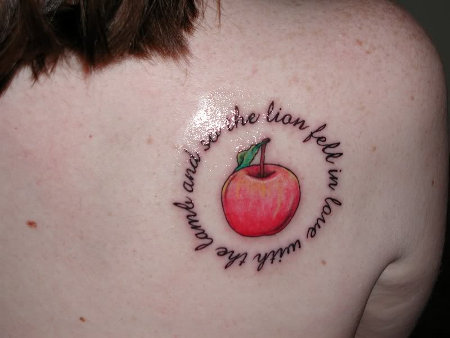 apple with words
