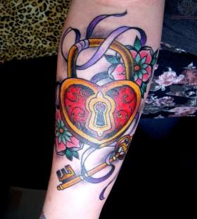 heart-padlock-and-key-tattoo