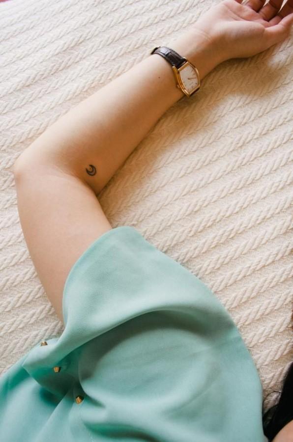 moon-tattoo-small-596×900