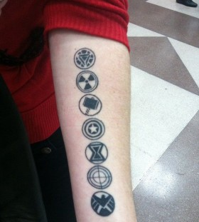 Amaizing hand american style tattoo