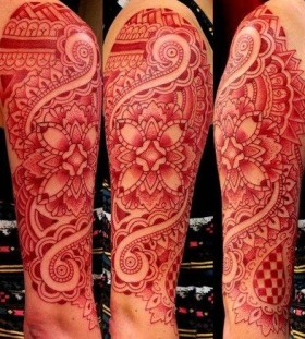 Gorgeous red tattoo