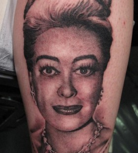 Joan Crawford famous people tattoo