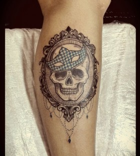Mask and skull tattoo by Tyago Compiani