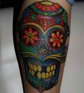 Adorable skull eye tattoo on leg