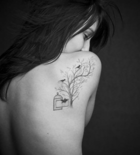 Amazing women tree tattoo on shoulder