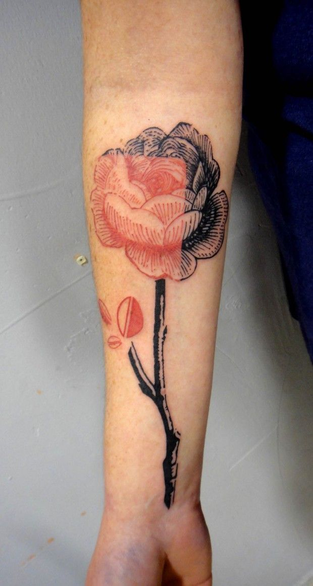 black and red rose interesting design tattoo